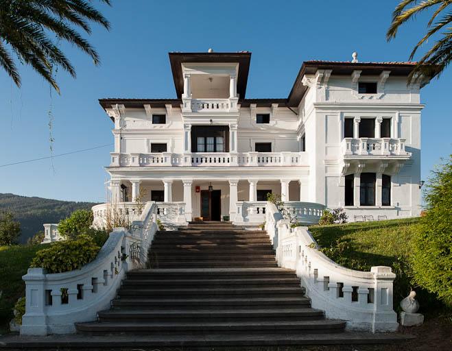 La casa blanca asturiaspordescubrir - Fotos de la casa blanca por fuera ...