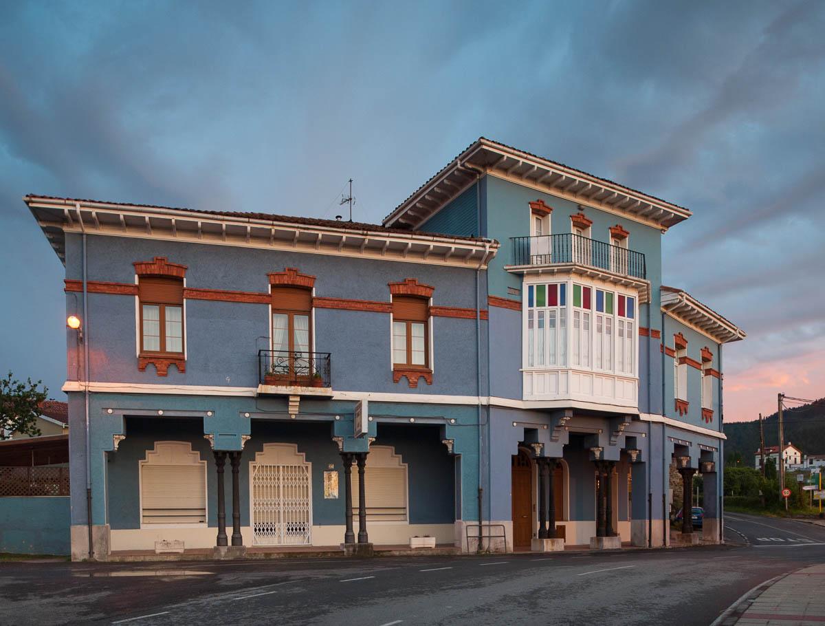 Casa de las Columnas, Somao, Pravia