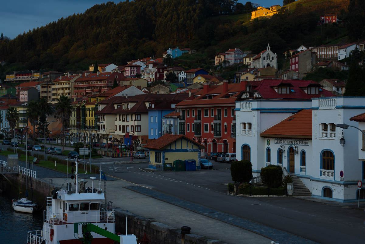 Una muestra: el edificio -a la derecha de la imagen- de la Junta de Obras del Puerto.