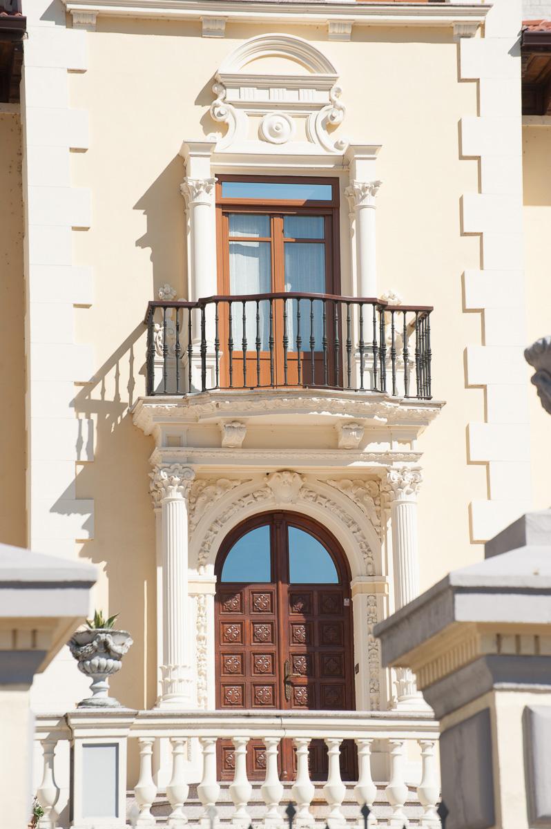 Detalle del Chalé de Soliso, casa de indianos en Cangas del Narcea, Asturias, del arquitecto Gómez del Collado