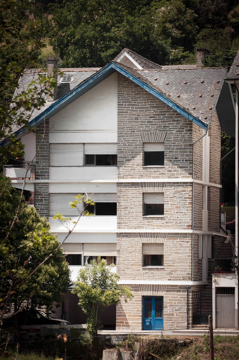 Chalé Alpino del arquitecto Gómez del Collado para indianos, situado en Pola de Allande. Asturias