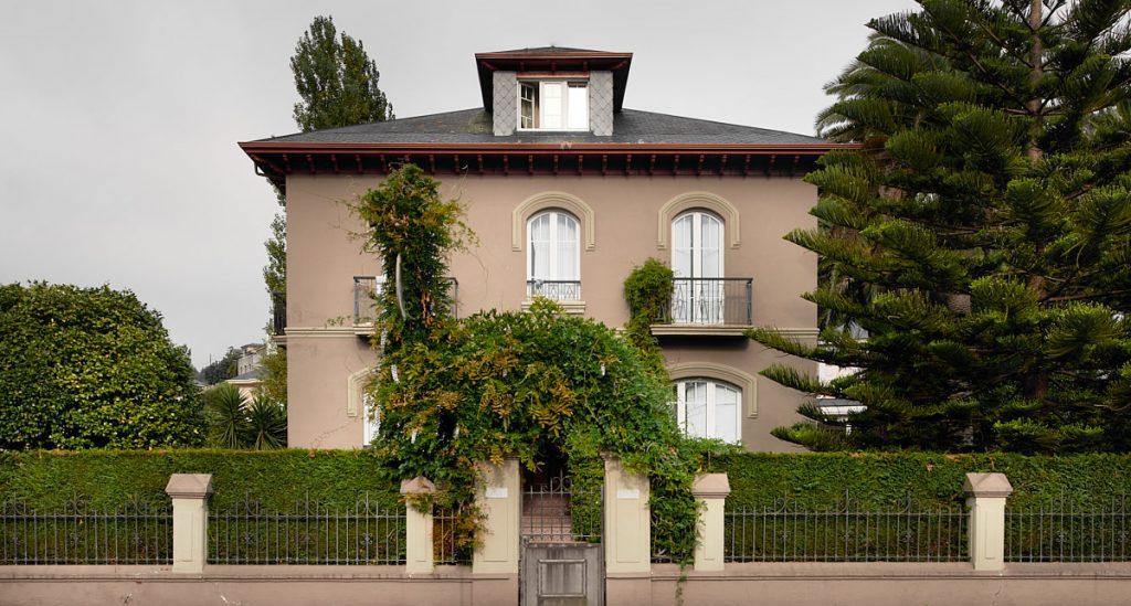 Casa de indianos Villa Luisa en Navia, Asturias