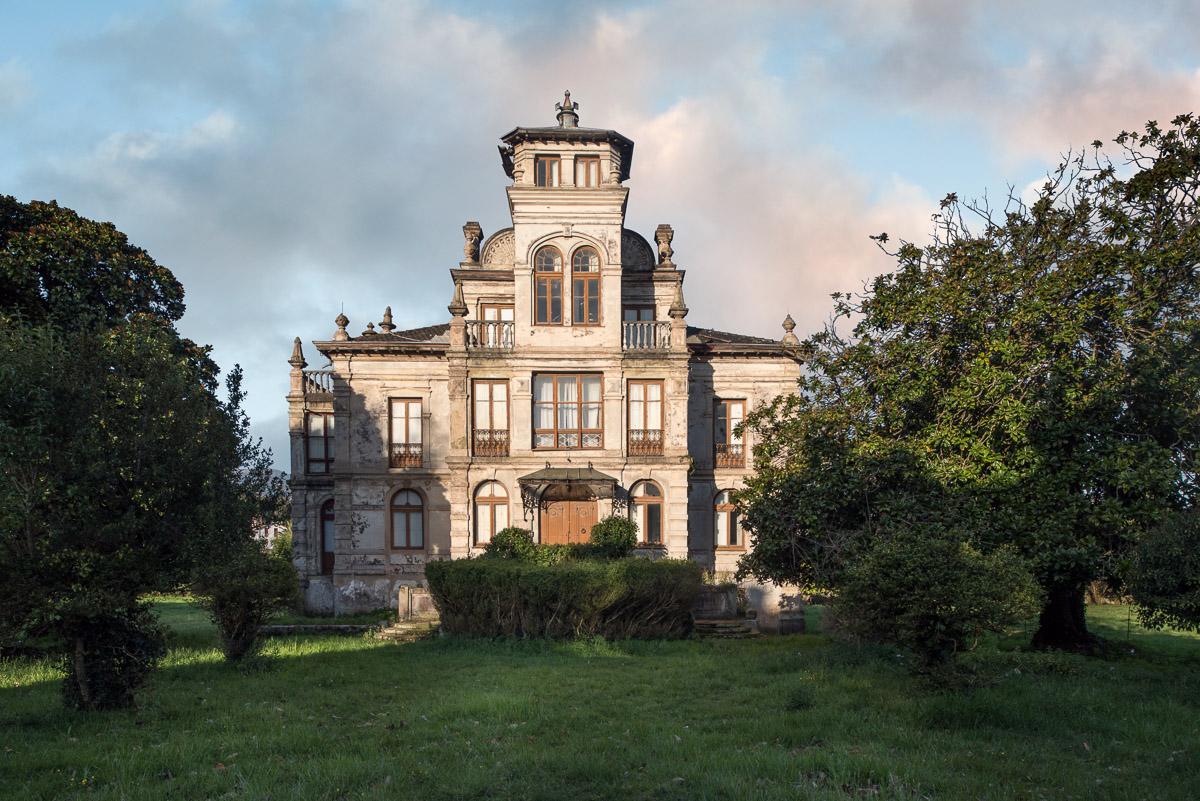 Casa de indianos Partarríu en Llanes, Asturias