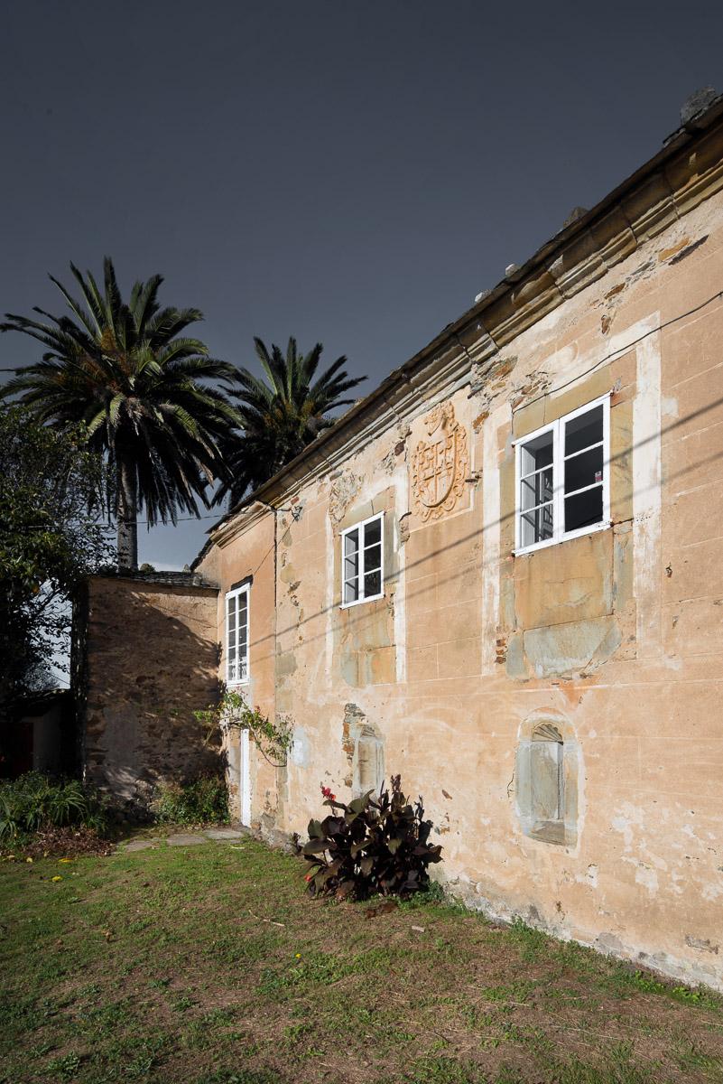 Fachada principal del Palacio de cAmpos en Tapia de Casariego, Asturias