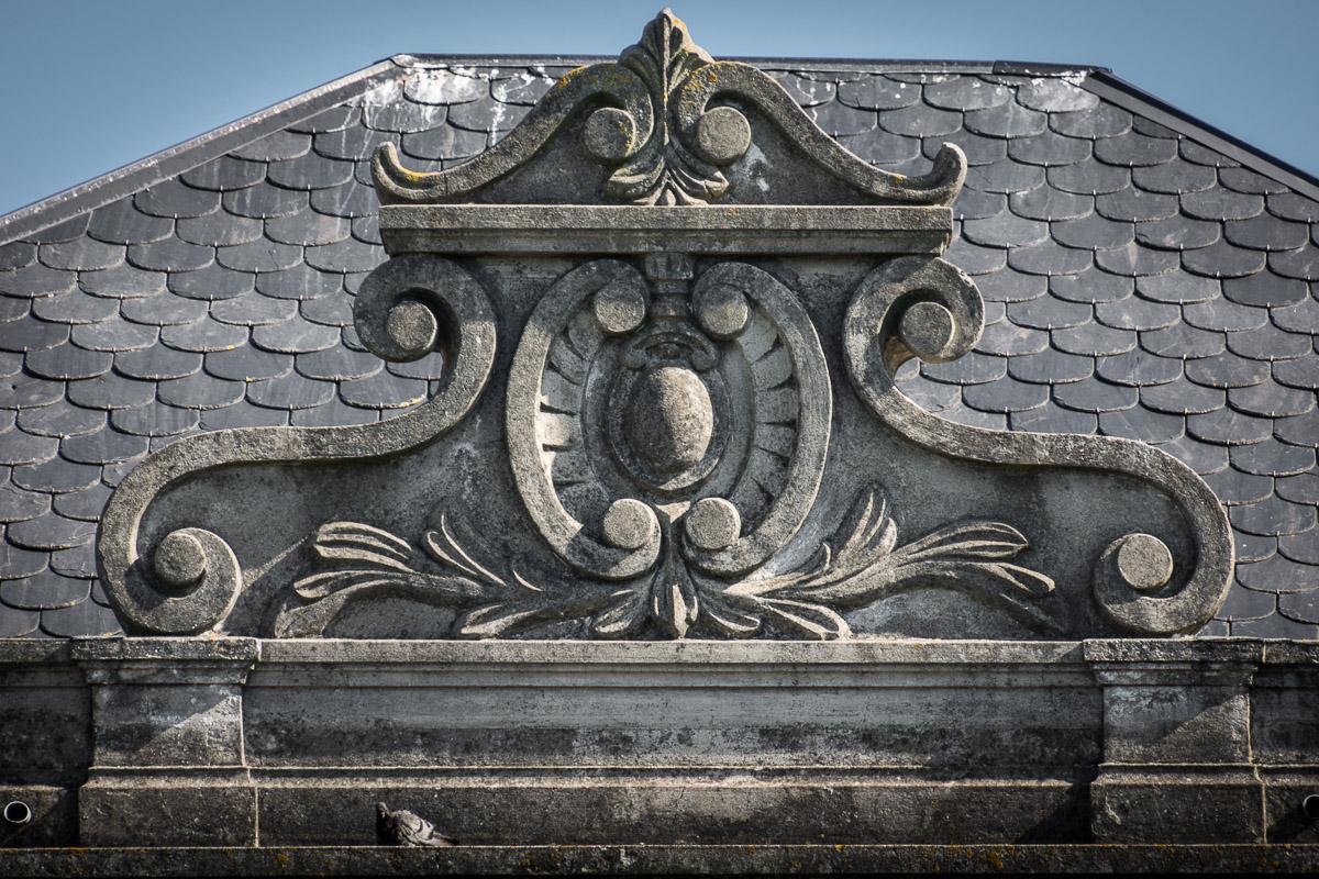 Detalle de la casa de indianos Villa Arbosa en Ortiguera, concejo de Coaña, Asturias