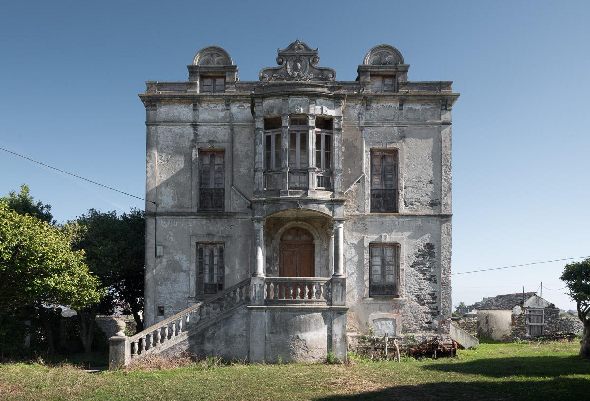 Villa Arbosa, casa de indianos en Ortiguera, concejo de Coaña, Asturias