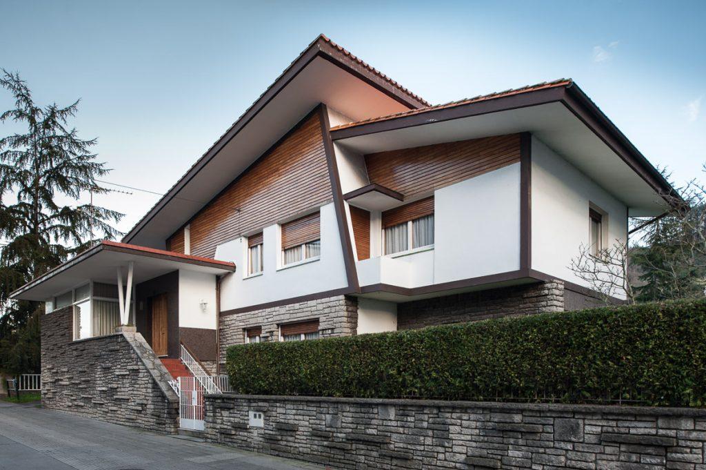 Chalé particular de los arquitectos hermano Somolinos en Villaviciosa, Asturias