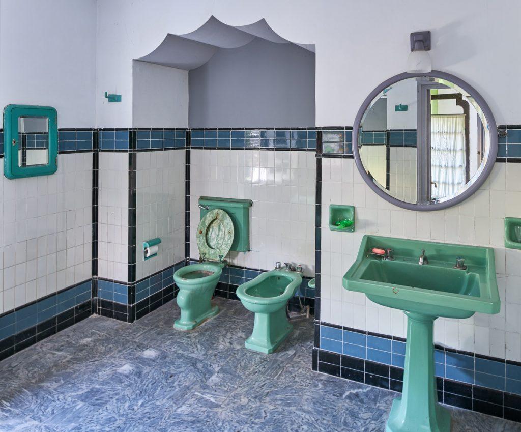 Cuarto de baño en el chalé de Enrique González en El Prestín