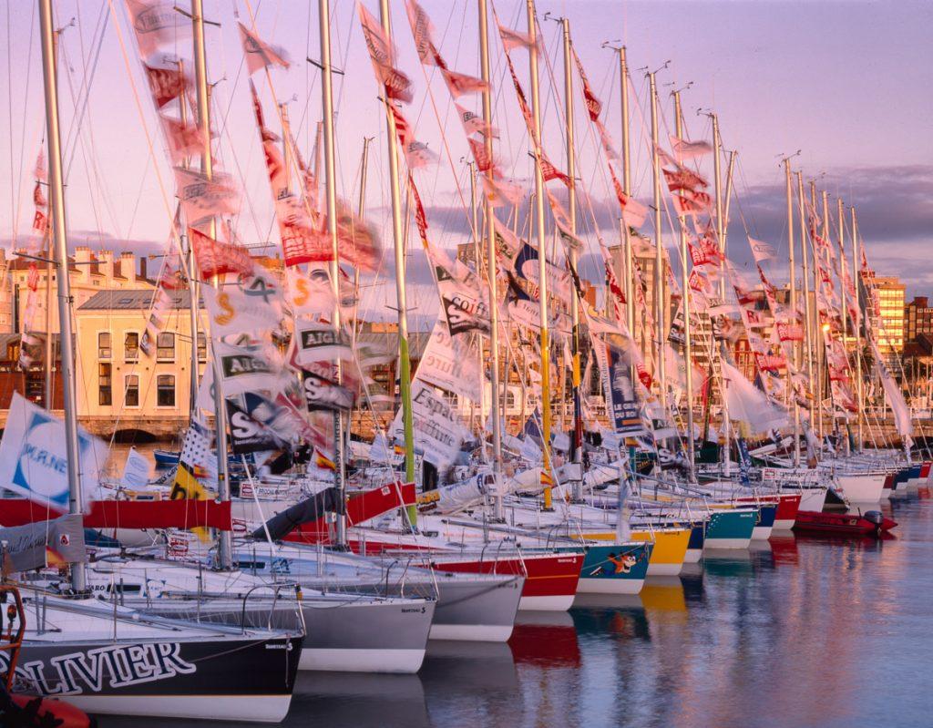 Barcos de regatas en el Puerto Deportivo de Gijón