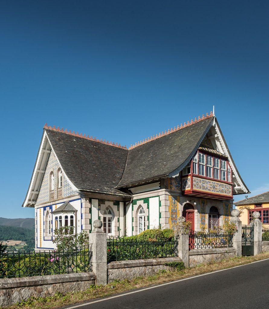 Vista general de Villa Anita sobre el pueblo de Boal, Asturias