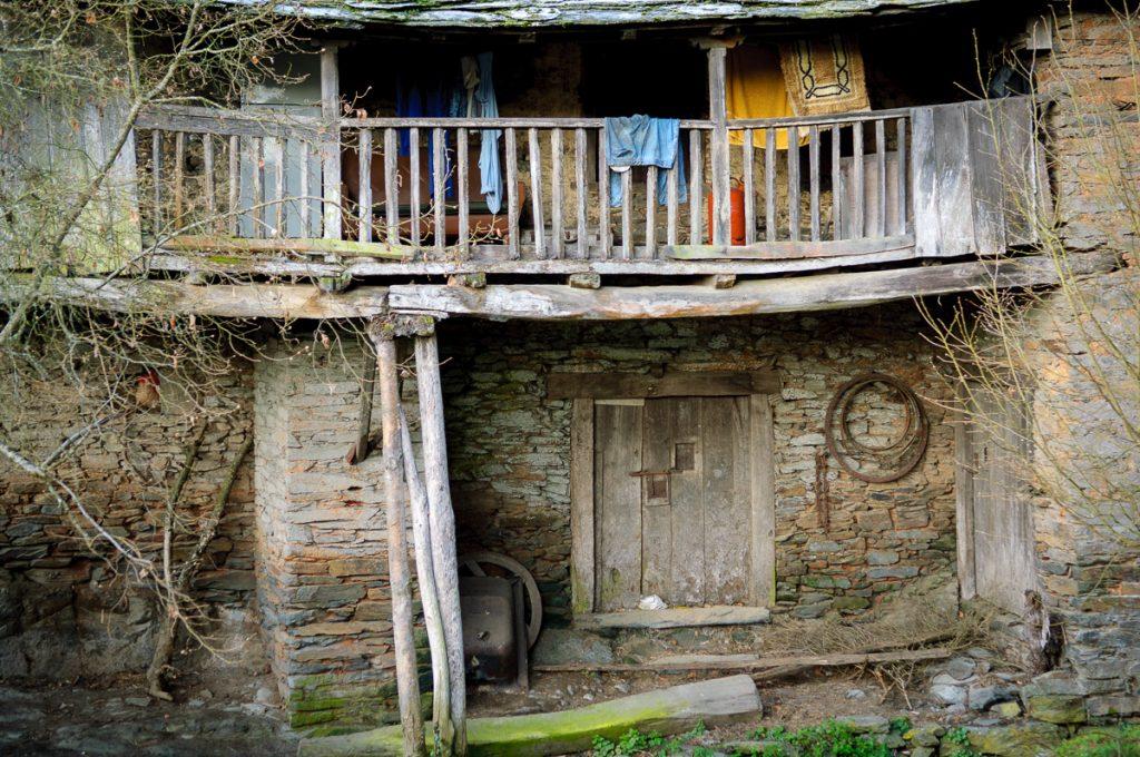 Arquitectura popular en el pueblo de Argul, Pesoz