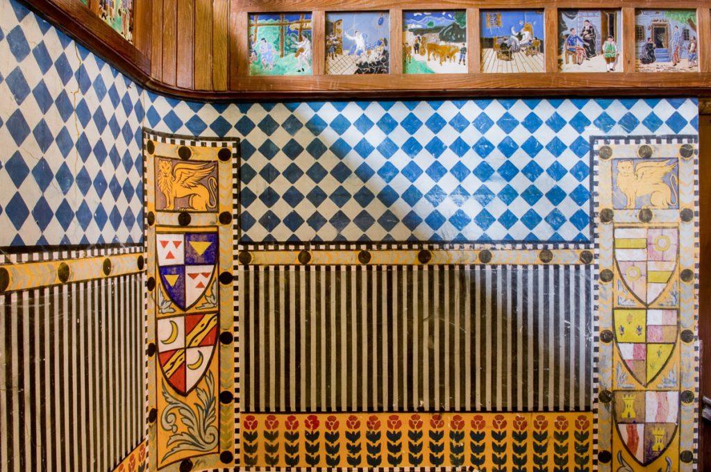 Detalles de la decoración de la escalera en Villa Anita, Boal