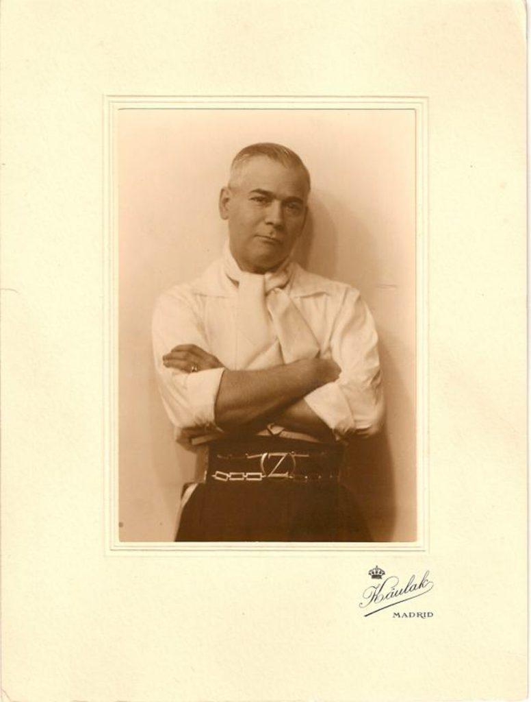 Eduardo Jardón fotografiado en los años treinta del siglo XX por Kaulak