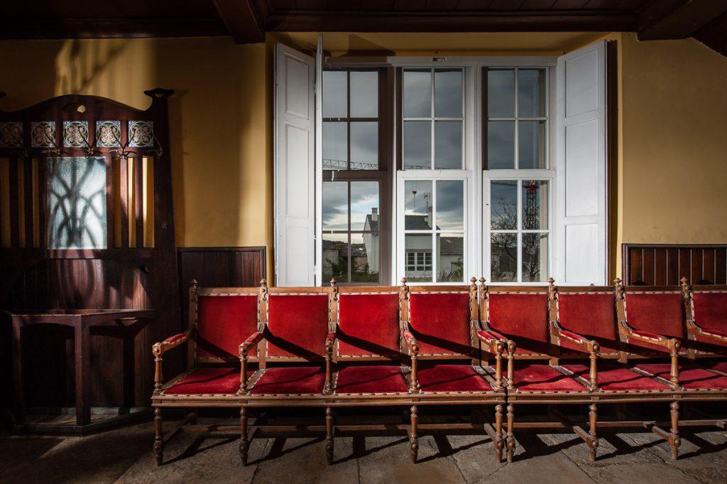 Interior del vestíbulo del Casino de Castropol
