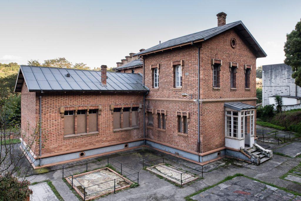 Edificio de la antigua escuela de la Real Compañía de Minas