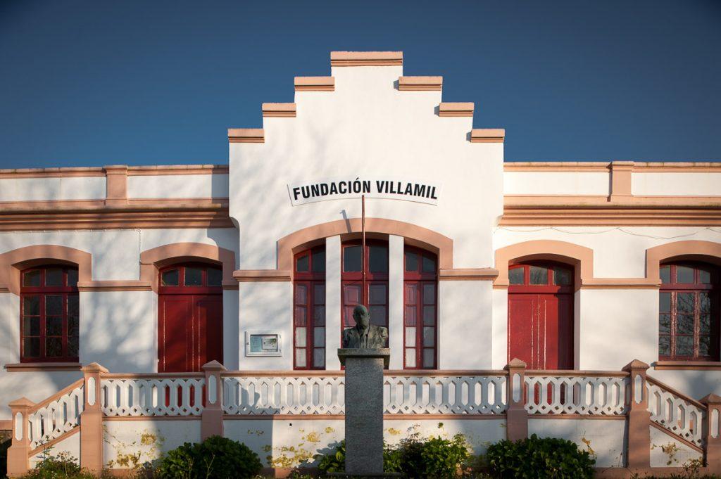 Escuelas de la Fundación Villamil en Figueras, Castropol.