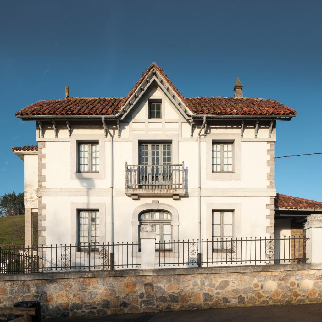 Escuelas de Riberas de Pravia, en el concejo de Soto del Barco