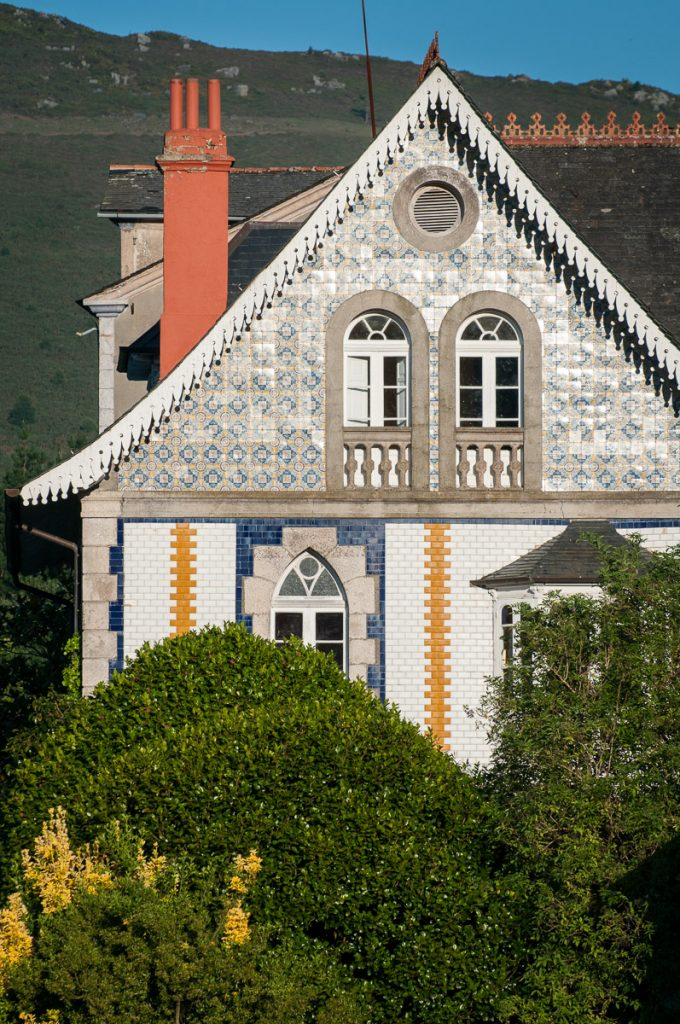 Cubierta de Villa Anita, casa de indianos en Boal, Asturias