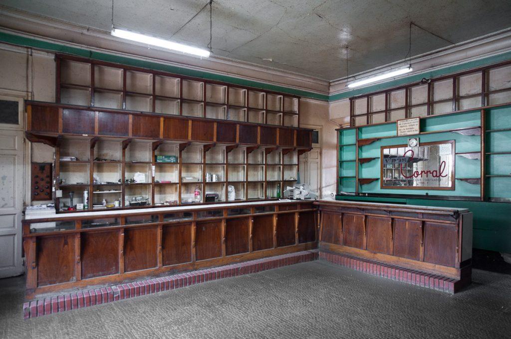 Antiguo Bar Tienda en Buelles, Peñamellera Baja, Asturias