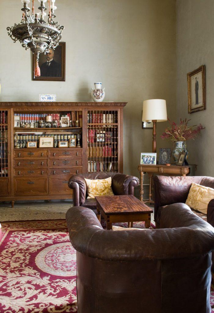 Despacho de Eduardo Jardón en la Quinta San Jorge de Viavelez, Asturias