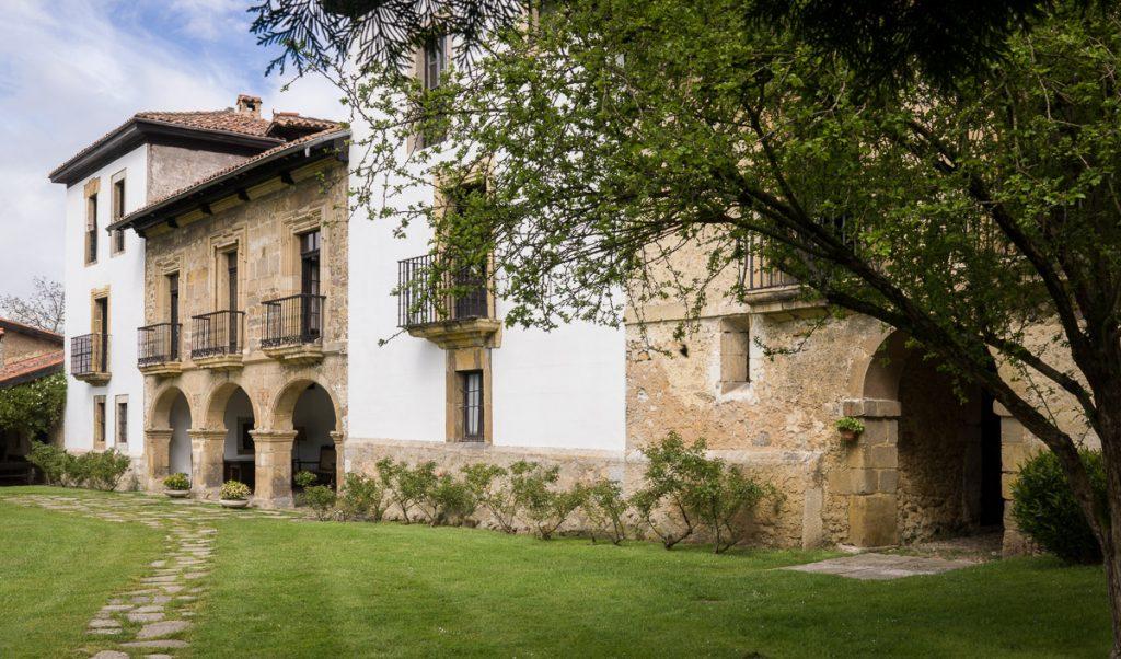 Fachada del Palacio de Argüelles n Meres Siero