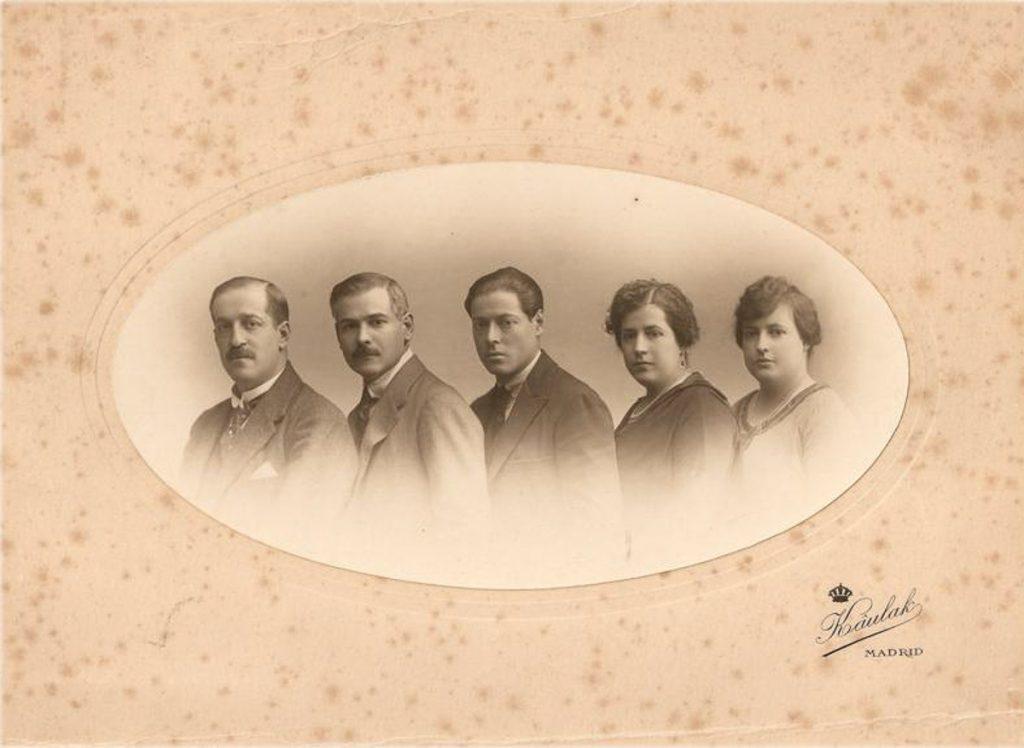 Retrato de Kaulak de los miembros de la familia Jardón