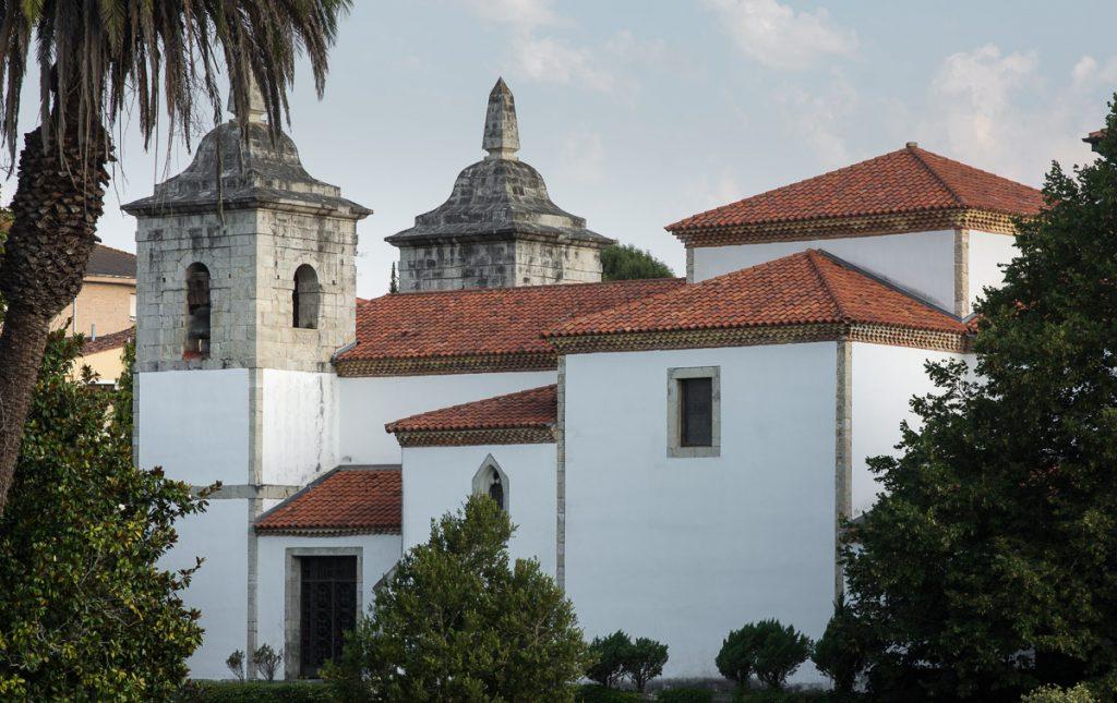Iglesia de Colombres reformada por indianos