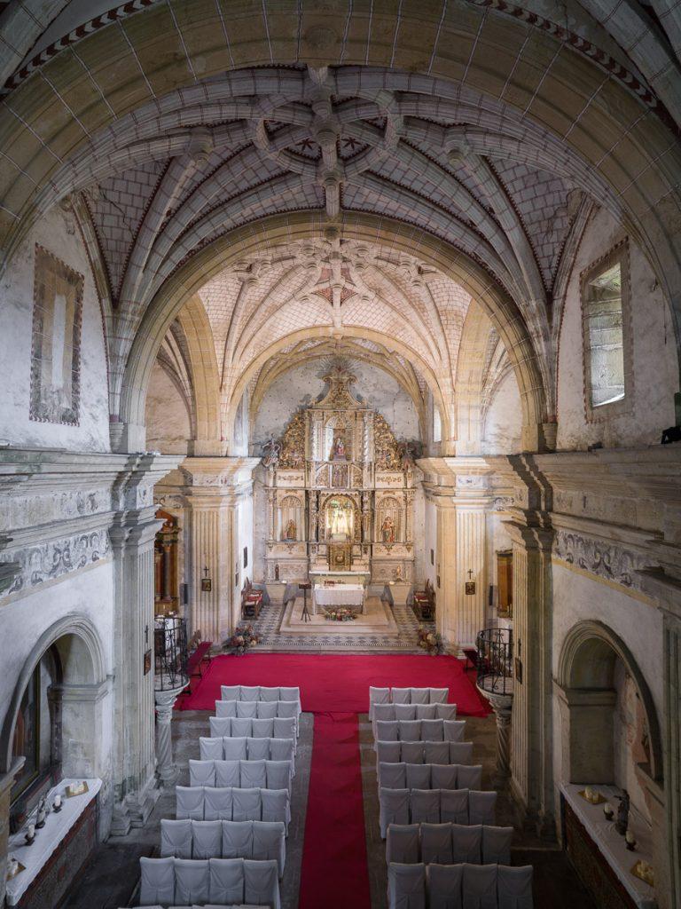 Interior de la capilla de Santa Ana del Palacio de Argüelles en Meres, Siero