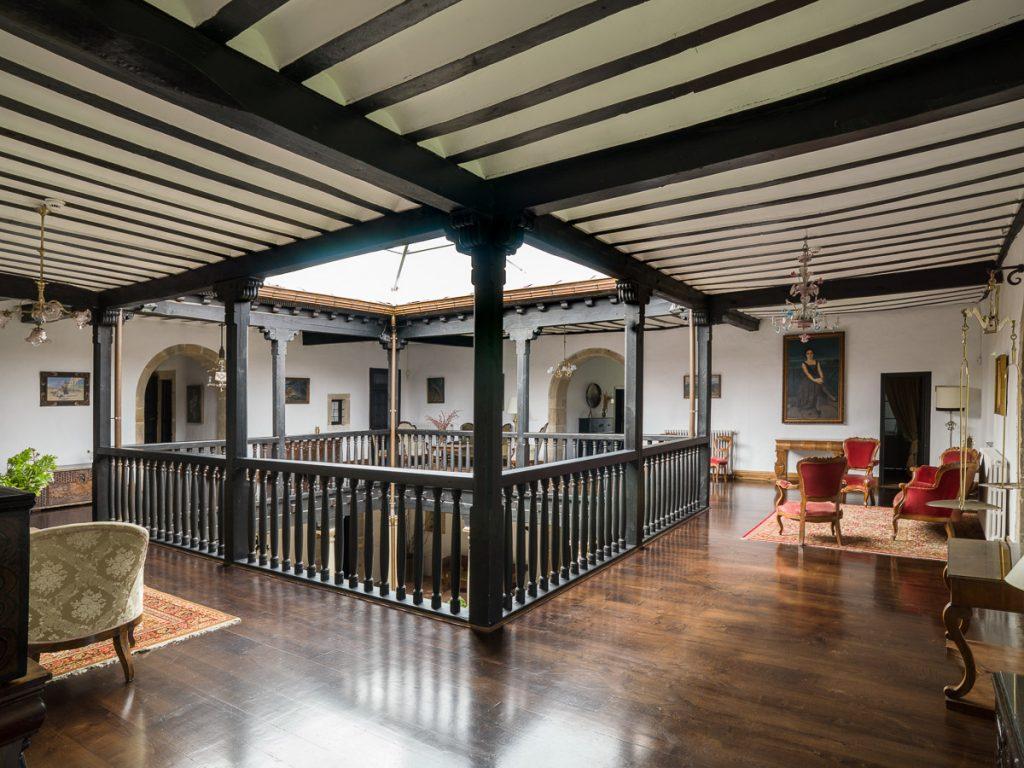 Patio interior del Palacio de Argüelles en Meres Siero