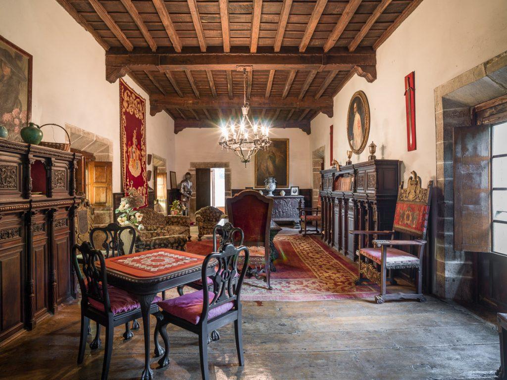 Salón del Palacio de Villahormes, La Espriella en el concejo de Llanes, Asturias