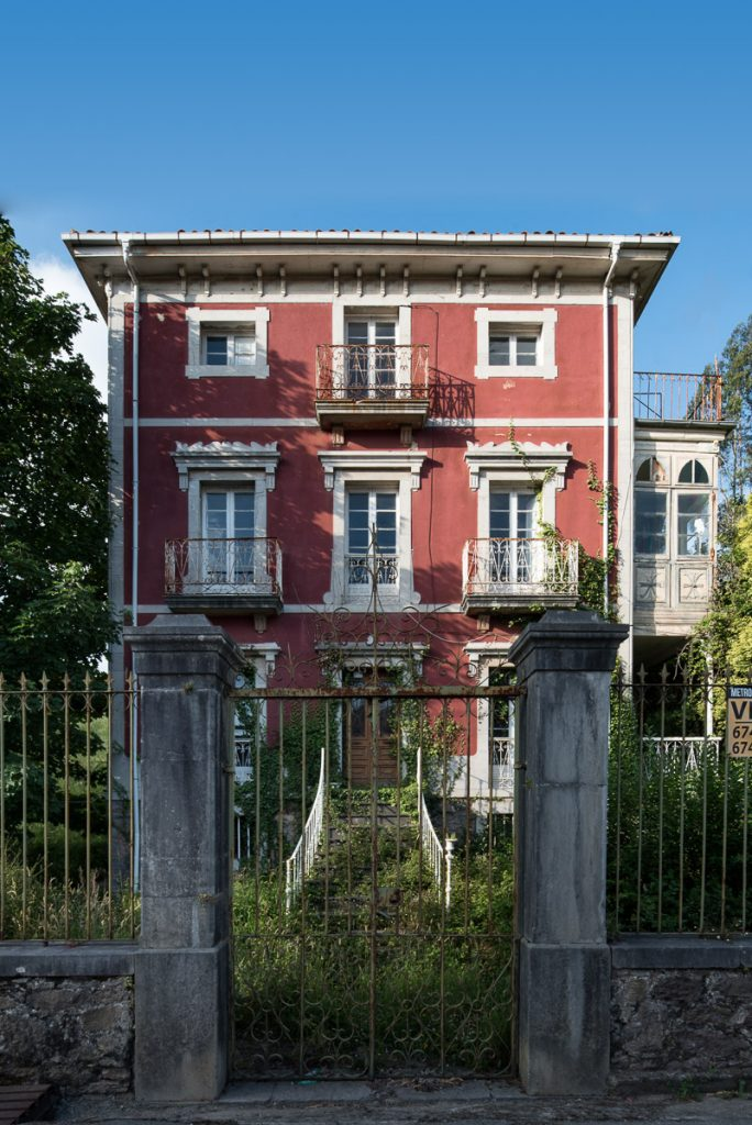 Villa Josefa, situada en Agones, Pravia