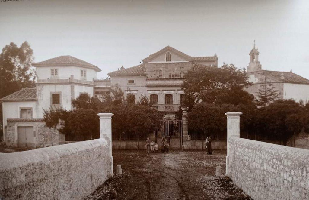 Fotografía antigua del Palacio de La Huerta en Garaña, Llanes