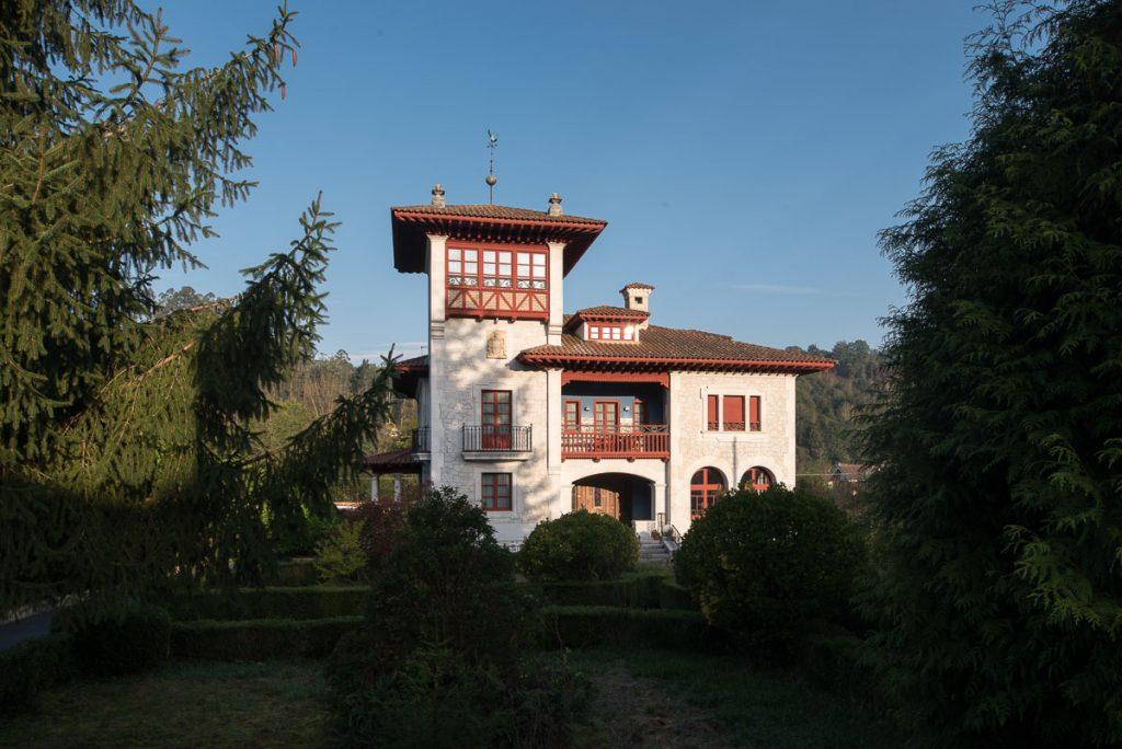 Chalé de Álvarez Nava del arquitecto Manuel del Busto
