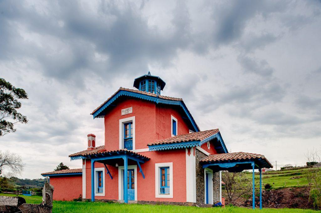 Casa de indianos Villa Misiego en la Ría de Villaviciosa