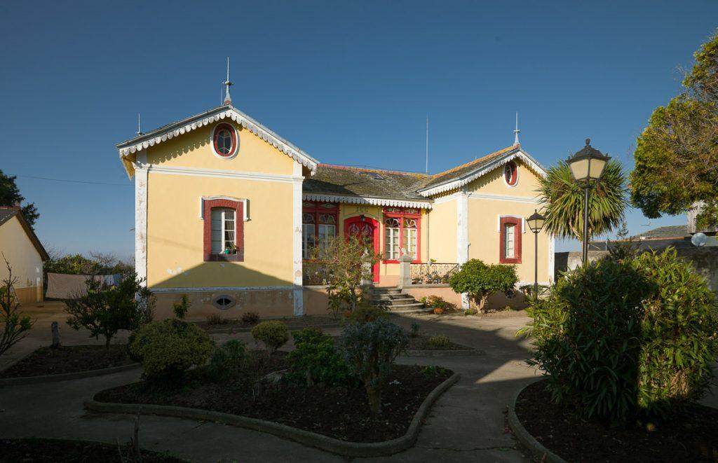Fachada de la casa de indianos en venta Villa Rosa o Villa Rosita
